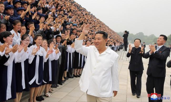 Северна Корея отказа близо 3 млн. ваксини от Китай