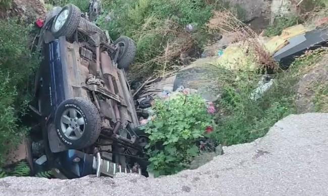 В Хасково: Караш по улица и колата ти пада... в пропаст