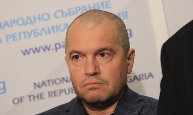 Тошко Йорданов: Дончева е размахвала едни листчета с едни цифрички
