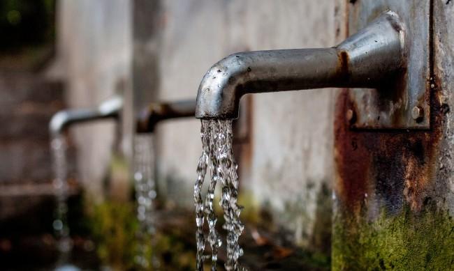 Авария остави хиляди без вода във Варна