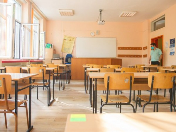 44.5% от учителите нямат служебен лаптоп, а 22,2% получават временно,