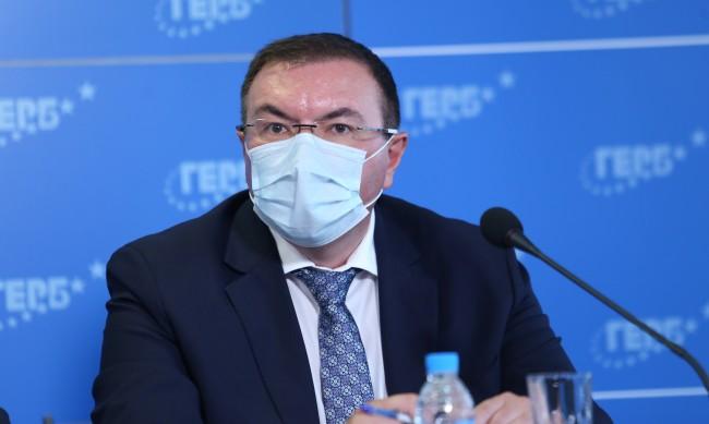 """МЗ: Костадин Ангелов е поставил """"Александровска"""" в тежко състояние"""