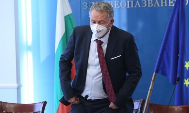 Кой провали ваксинационната кампания – Кацаров или ГЕРБ?