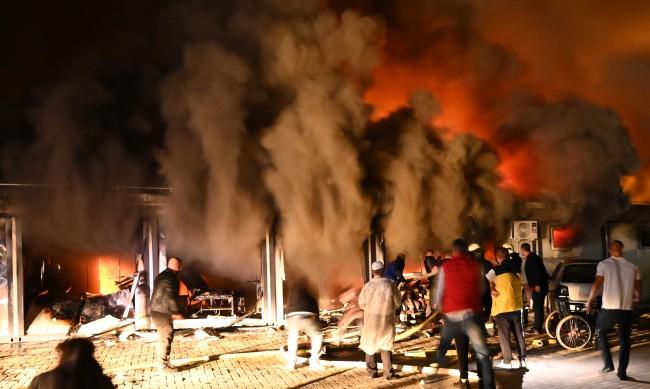10 загинали при голям пожар в COVID болница в РС Македония