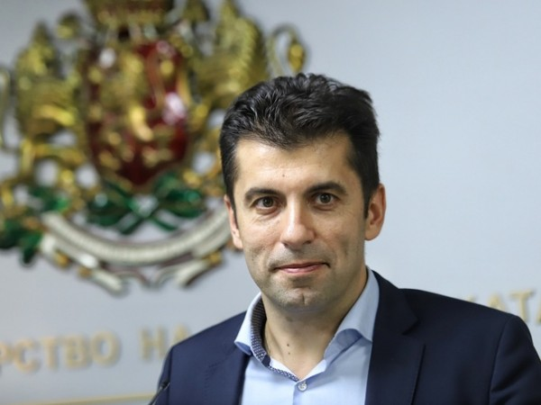 Президентът Румен Радев трябва да представи декларацията, представена от министъра