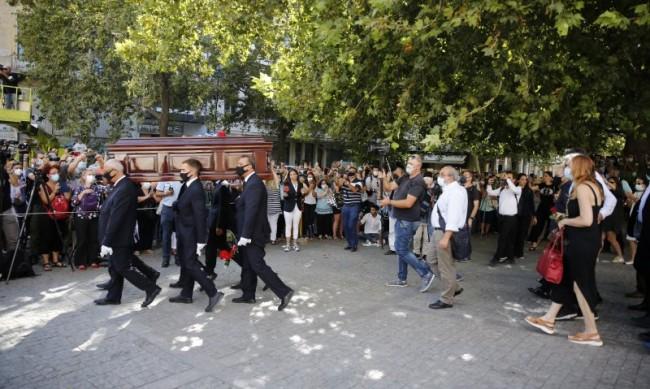 Хиляди изпратиха в последния му път Микис Теодоракис