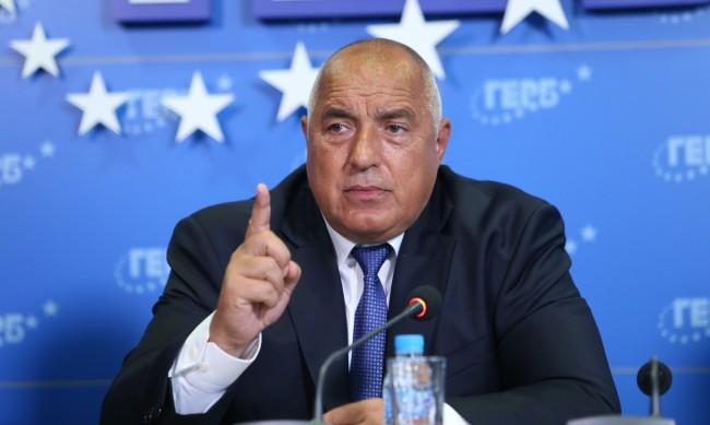 Имуществото на политиците: Борисов е увеличил леко спестяванията си, Петков с кола за 60 хил.