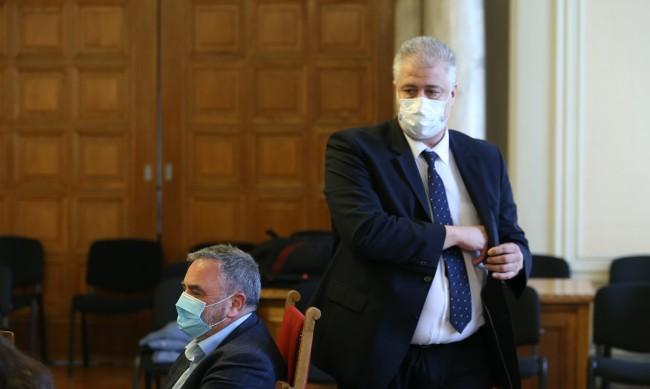 В МЗ не знаели за уволнението на проф. Балтов, наказателна акция ли е?