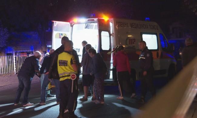 Адска катастрофа в Айтос: Камион помете две коли, уби две деца и баща им