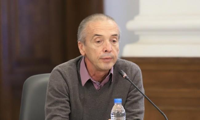 """Мангъров: Ваксиниран срещу COVID-19 e починал в """"Токуда"""""""