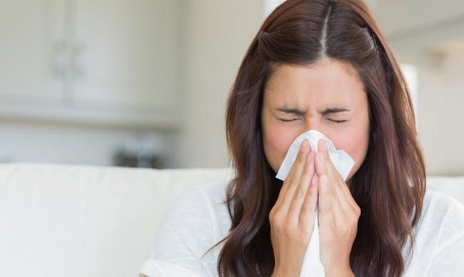 7 неща в дома ви, които може да предизвикат кихане