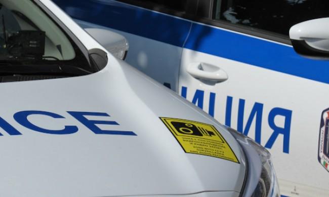 Две коли блъснаха жена на пешеходна пътека