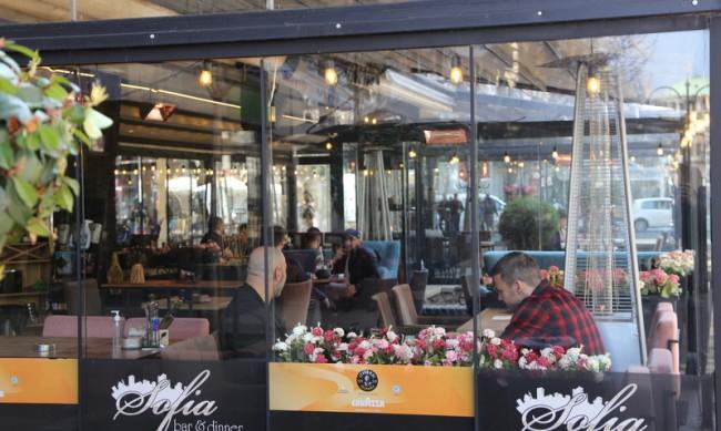 Заведения в София отнесоха глоби за работа след 23 часа