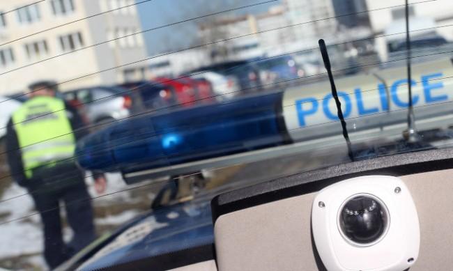 """Акция на полицията в кв. """"Филиповци"""", открити са наркотици и оръжия"""