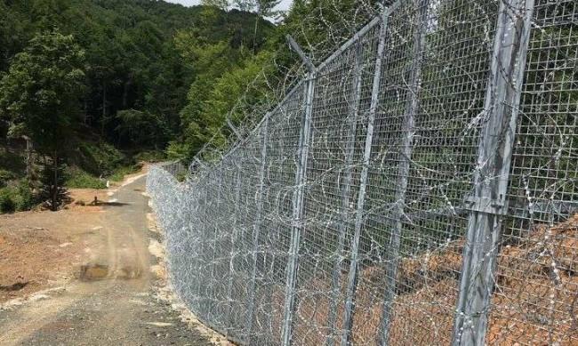 МВР ще се грижи вече за оградата по границата с Турция