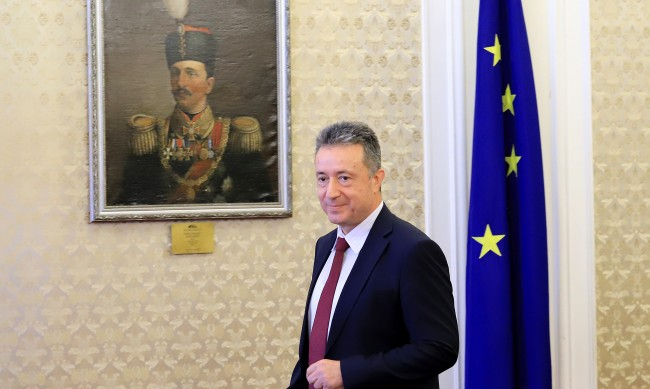 Стоилов се срещна с Гешев заради Бюрото по защита