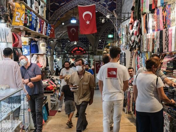 Турското здравно министерство съобщи за 28 118 нови случая на