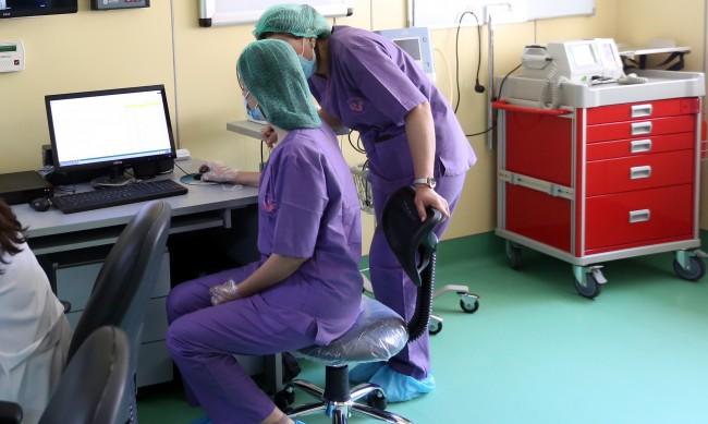 Болниците ни търсят сестри, в Германия им дават 6 000 лв. заплата