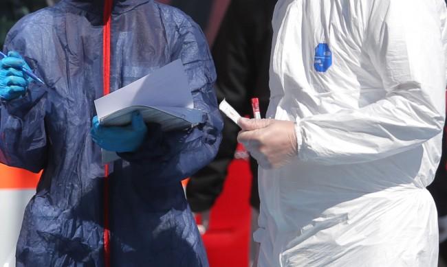 Мъж на 41 г. и жена на 42 г. без болести сред жертвите на вируса
