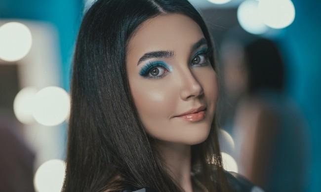 Тенденция: Сини сенки за очи