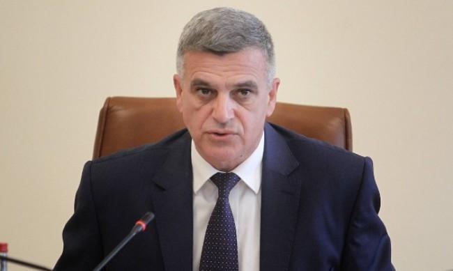 """Кабинетът """"Янев"""" 1 спечели доверието на 44.9% от българите, 30.9% не го харесват"""