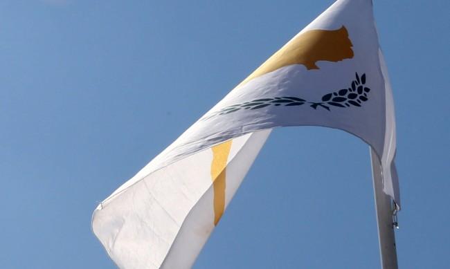 В Кипър свалят цената на тока с 10% за 4 месеца