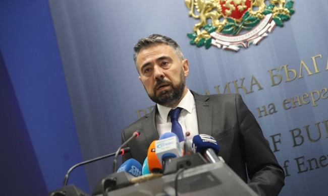 Енергийният министър: Няма дефицит на производство на електрическа енергия