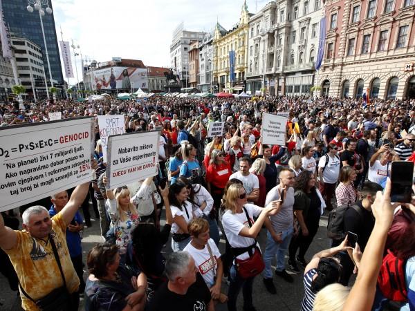 Няколко хиляди души излязоха на протест в столицата на Хърватия
