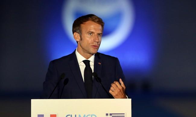 Макрон обсъжда с Байдън кризата между Франция и САЩ