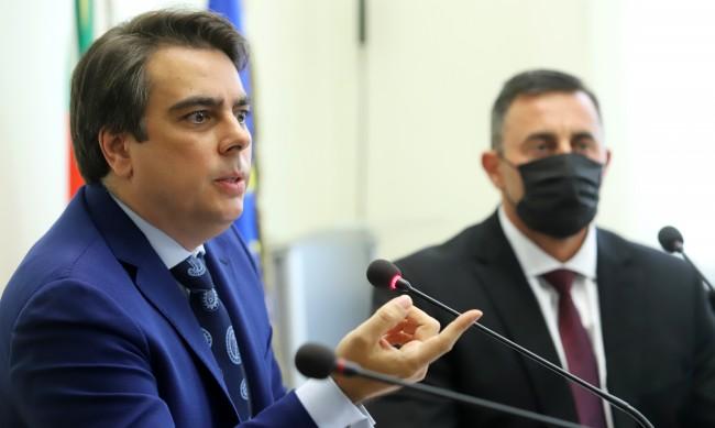 Асен Василев: Шефът на НАП е бил заплашван, засегнал e интерес на бизнесмен