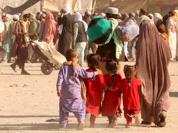 От днес в Афганистан талибаните затегнаха контрола върху правата на