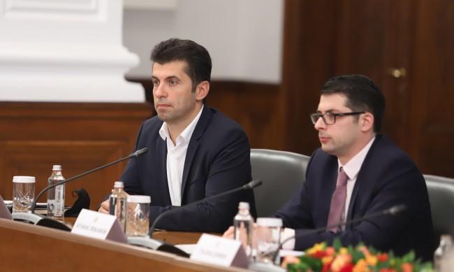 Пеканов не е канен в проекта на Петков и Василев досега