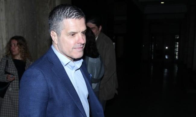 Брендо иска да излежи присъдите си в България