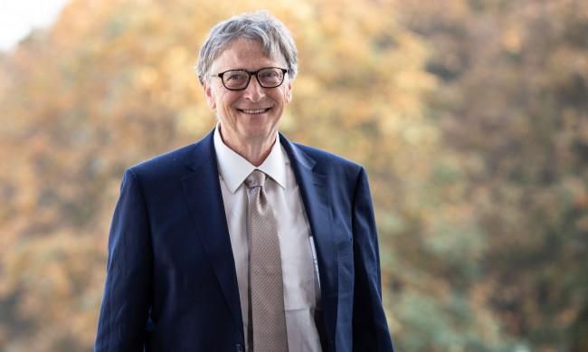 Бил Гейтс: Краят на пандемията още не е дощъл
