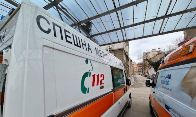 13-годишна е излетяла от прозорец на кола при инцидент в София