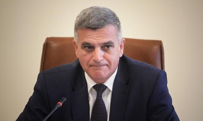 Янев назначи трима нови заместник-министри