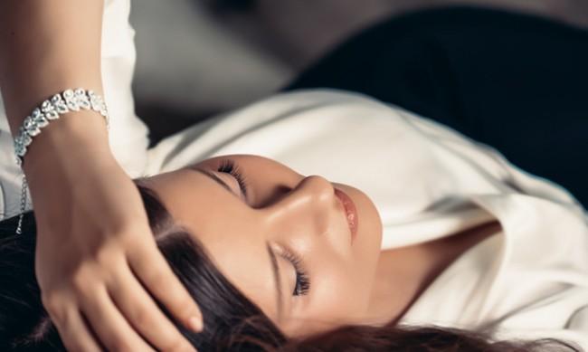Спането с бижута крие рискове за здравето