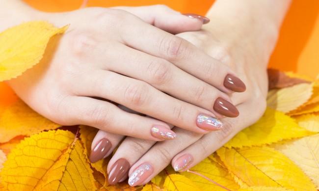 Жълъди, листа, тикви... С какво да декорирате маникюра си за есента?