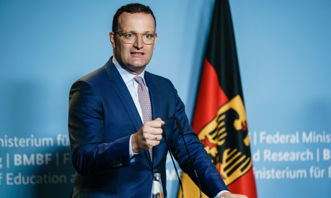 Германия спира компенсациите за неваксинирани под карантина