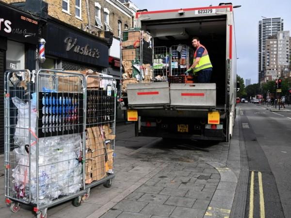 Най-голямата верига супермаркети във Великобритания Tesco предупреди правителството, че се