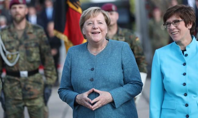 16 г. на власт, 16 реплики, които описват управлението на Ангела Меркел