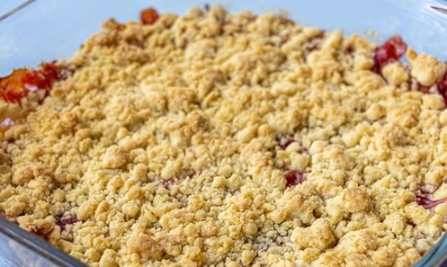 Рецептата Dnes: Маслен плодов коблер