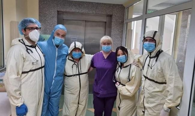 Лекари: Ваксинирани рядко лежат в болница заради Covid-19
