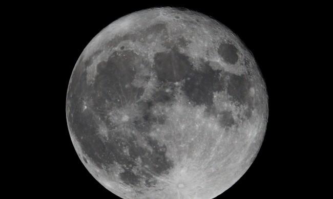 Русия вече се подготвя да прати човек на Луната