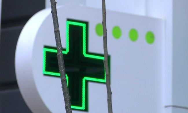 Безплатни лекарства срещу коронавирус, но само 6 се намират в аптеките