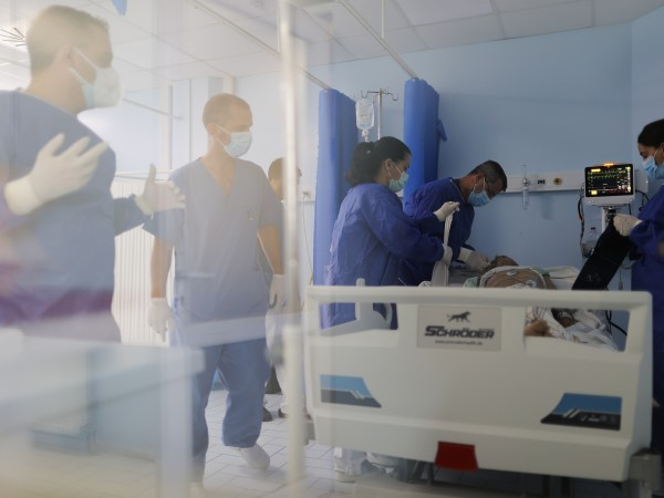 Епидемиологичната ситуация продължава да се влошава в повечето страни на