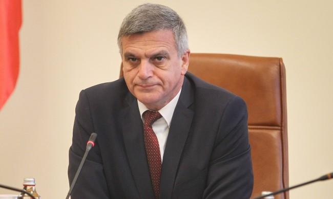 Янев назначи зам.-министри в туризма и външните работи