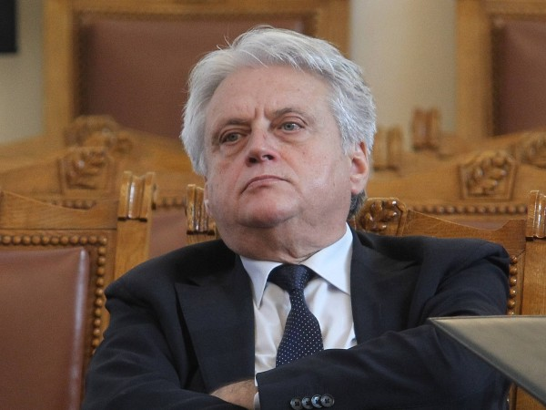Защо служебния министър Бойко Рашков не поиска пари за оградата