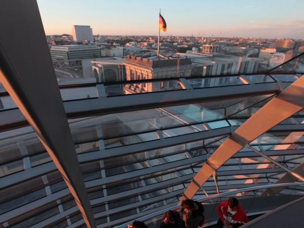 Двамата основни фаворити за следващ канцлер на Германия, Олаф Шолц
