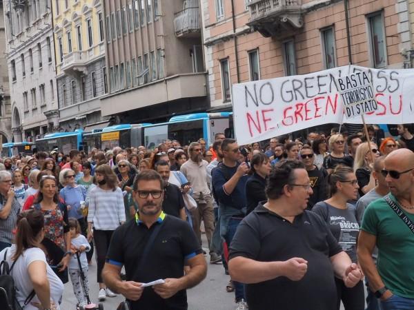 На различни места в Европа днес се проведоха протести заради